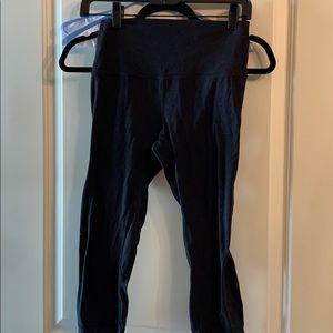 Lululemon black align Capri pants